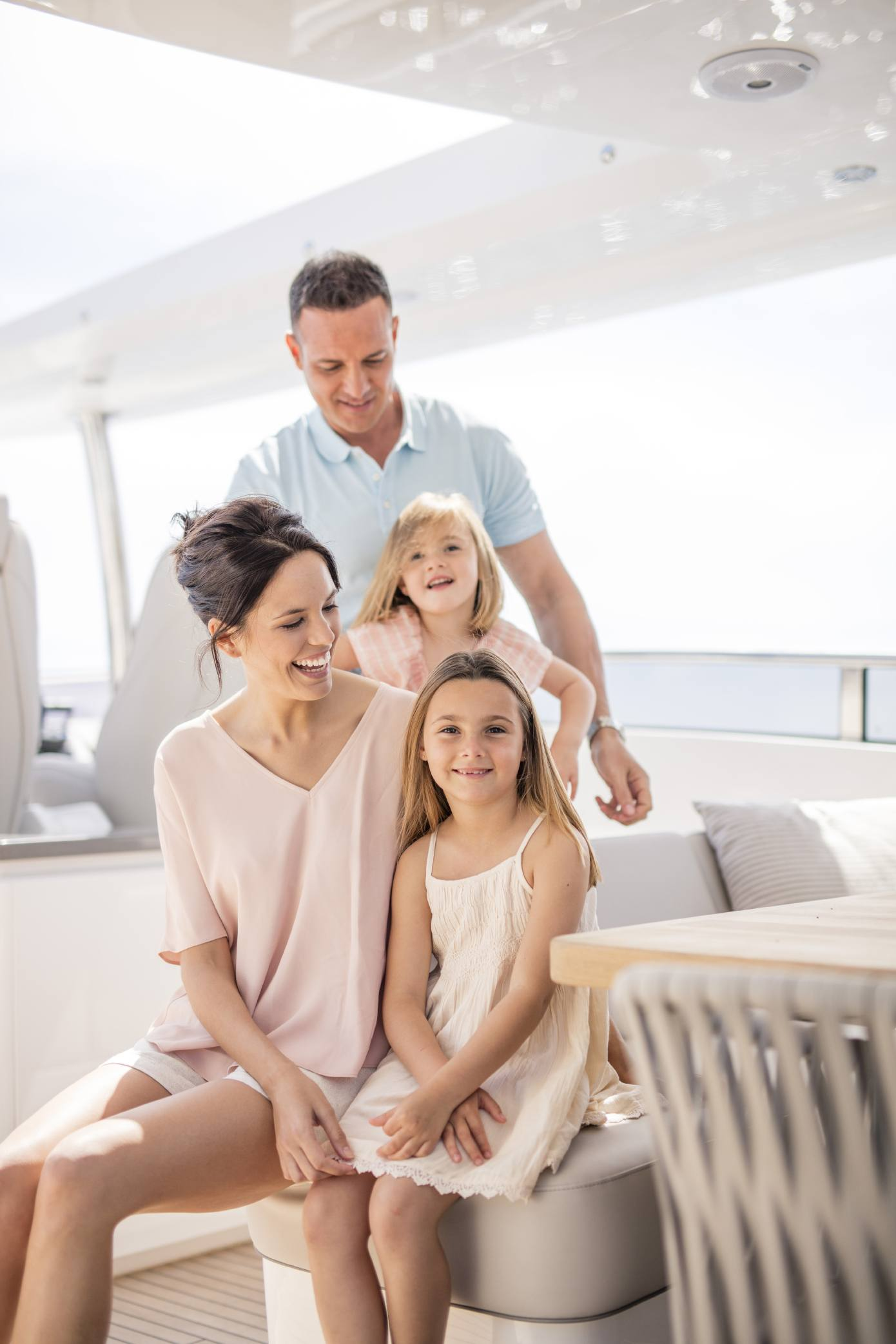 30m-exterior-family-on-flybridge-1